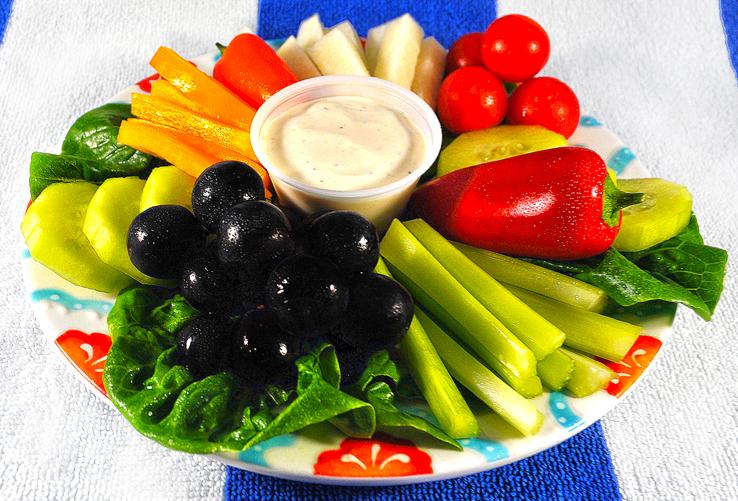 Fresh-Fruit-Vegetable-Platter